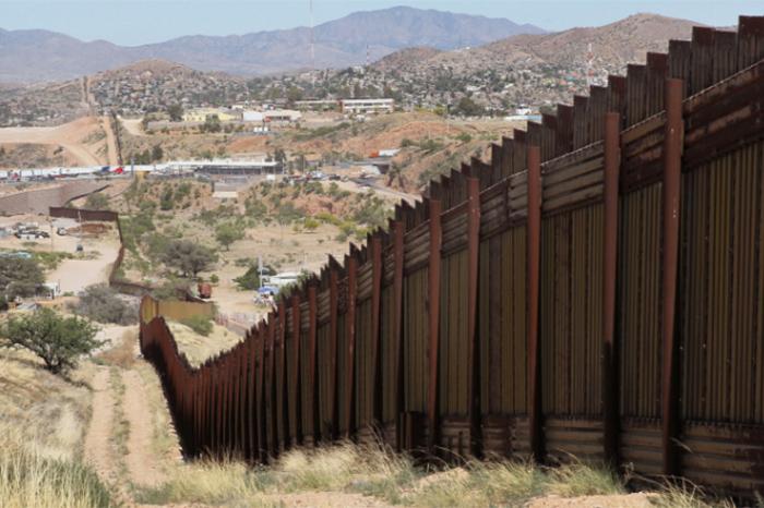 Foto: Agencias. El muro tendría un costo de entre cinco mil millones de dólares y 10 mil millones de dólares.