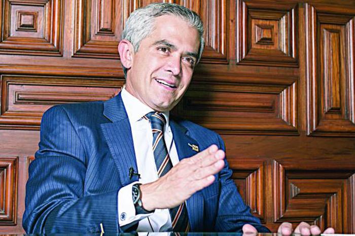 Foto: El Universal. El fallo realizado por el ministro José Fernando Franco González Salas, impide la ejecución de un arresto ordenado por el Tribunal Federal de Conciliación y Arbitraje.