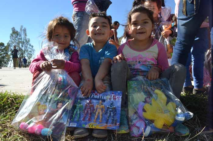 Foto: Erika Conejo y Pedro Ceja. Nicole, Damián y Míriam.