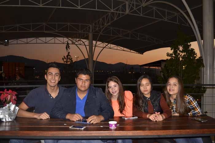 Foto: Adrián Bucio. Edgar Torres, Gerardo Gutiérrez, Sofía Molina, María Serrano, Ana Serrano.