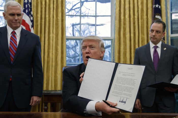 Foto: AP. La semana pasada Trump firmó una orden ejecutiva con la que su gobierno puso fin de manera efectiva a la participación.
