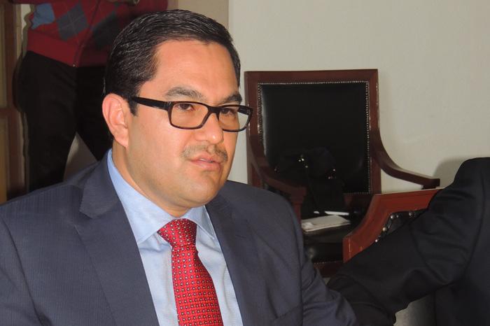 Foto: La Voz de Michoacán. El ombudsman Victor Manuel ya indaga el caso de la violencia registrada en Arantepacua.