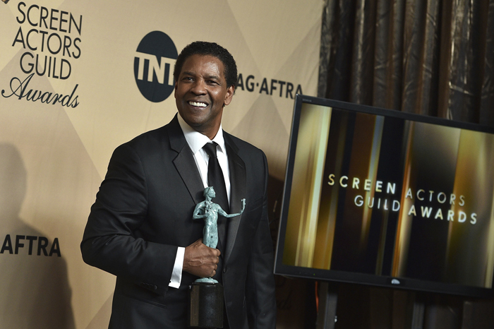 Foto: AP. Denzel Washington gana el premio a Mejor actor de cine por Fences.