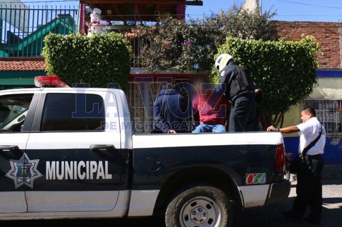 Foto: La Voz de Michoacán . Detienen-a-dos-por-allanamiento-de-morada-en-la-Molino-de-Parras