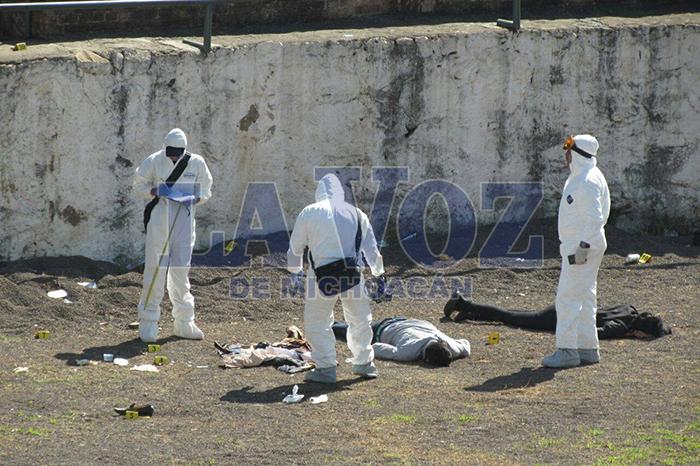 Foto: La Voz de Michoacán. -Identifican-a-los-2-muertos-a-balazos-en-el-corral-de-toros-de-la-Tenencia-de-Tiripetío