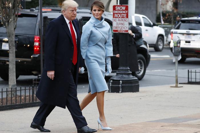 Foto: AP.  Trump sale para iniciar ceremonias de investidura.