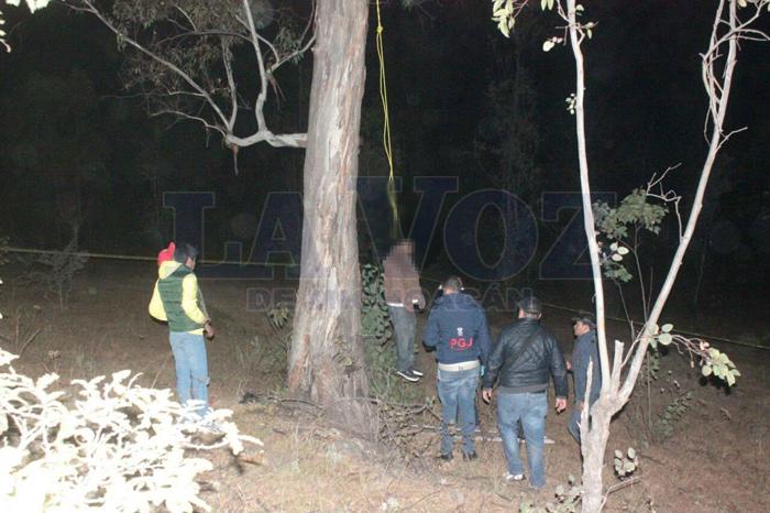 Foto. La Voz de Michoacán. Cerca del cuerpo se encontró una lata de raticida.