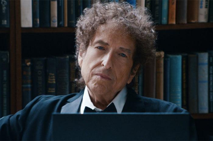 Foto: Agencias. El libro de Bob Dylan (1941) y el cancionero de Van Morrison (1945) estarán disponibles en librerías de todo el país a partir de febrero próximo.