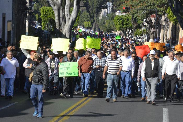 Foto: Samuel Herrera Jr. Se movilizan contra el gasolinazo.