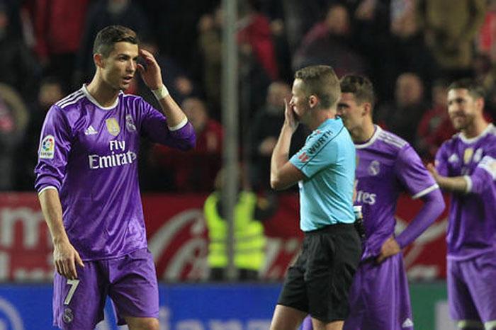 Foto: AP. Sevilla logra romper el invicto de Real Madrid.