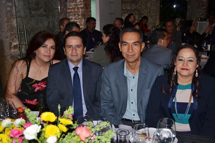 11-Laura-Olvera-Ricardo-Villagomez-Joaquín-Contreras-y-Sandra-Hernández