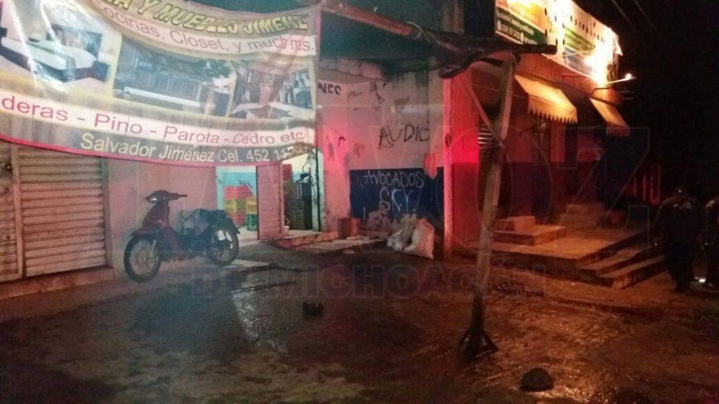 TINGÜINDÍN Atacan a tiros a dos hombres_ uno murió, el otro resultó herido en Tingüindín (1)
