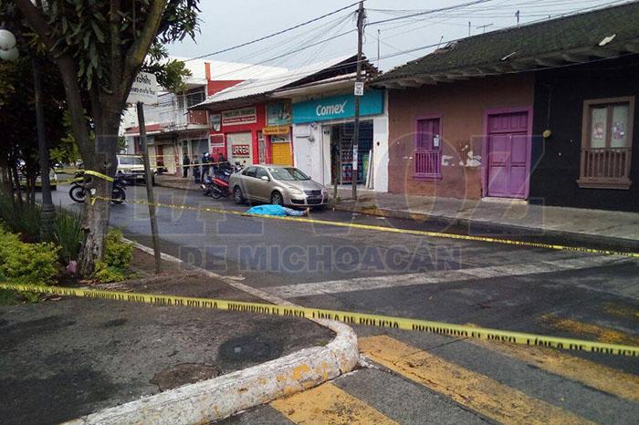 URUAPAN2 Cuentahabiente es muerto a balazos, en Uruapan (2)