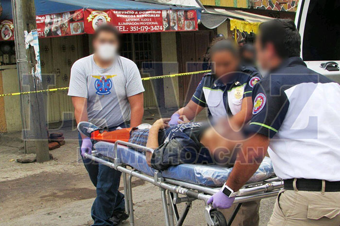 ZAMORA Grave joven baleado en la Avenida Juárez de Zamora (2)