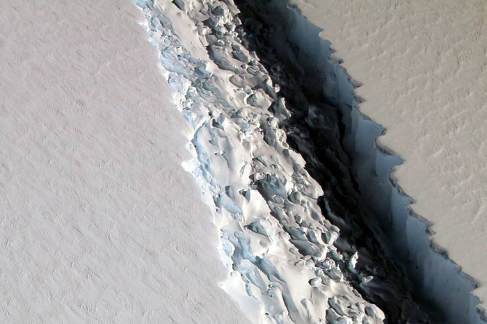vista-aerea-de-la-grieta-en-larsen-c_296399eb