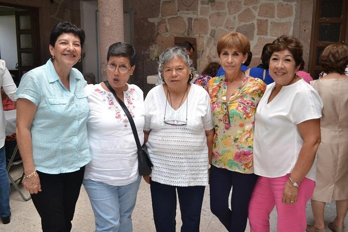 Bety Orozco, Martha Reyes, Chela Cortez, Lupita Rojas y Maru Guzmán