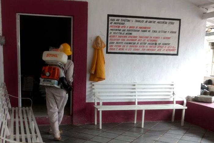 Foto 1 Los Reyes, nebulizan