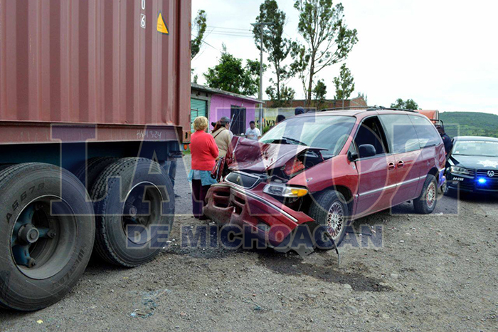 MORELIA Queda herido un conductor en accidente automovilístico (2)