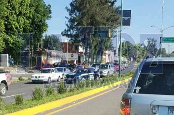 URUAPAN Se registra tiroteo entre unos civiles armados frente al parque La Pinera