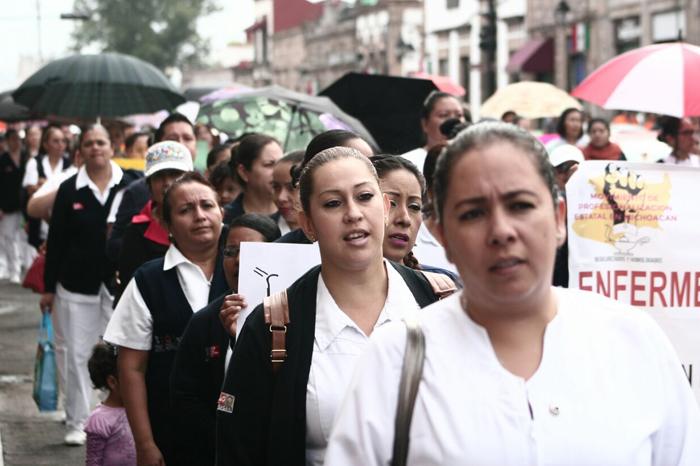 Marchan enfermeros/as por la profesionalización