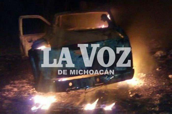 PURUÁNDIRO Roban camioneta repartidora de pan y es quemada (1)