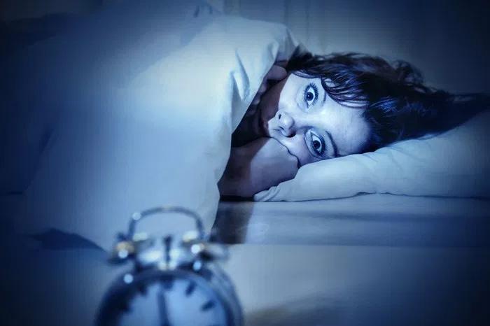 Sabes por qué te despiertas a media noche?