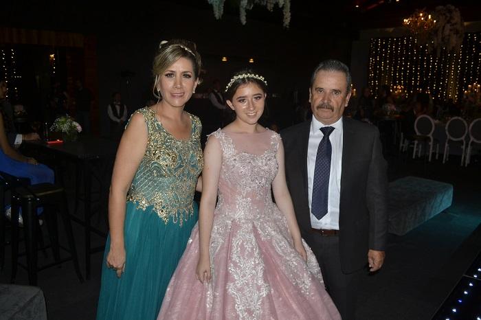 3) CON PAPÁS (Aurora Lemus, Aurora Murguía Lemus (xv), José Luis Murguía)