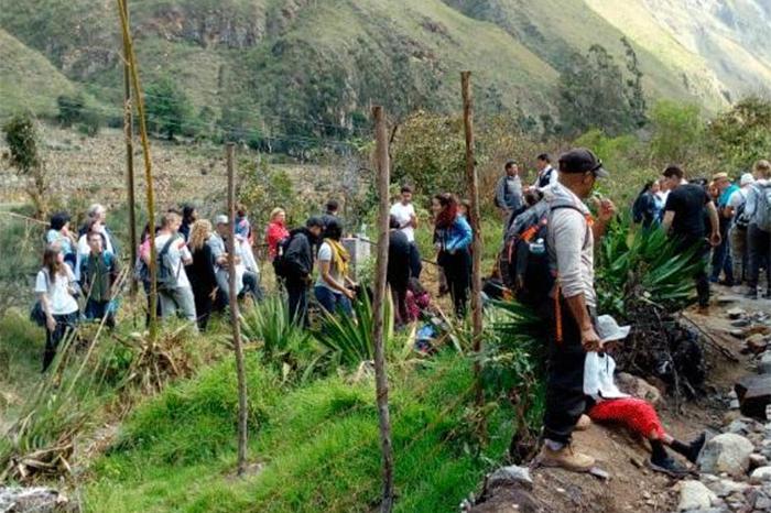 Turista chilena entre las heridas por choque de trenes en Machu Picchu