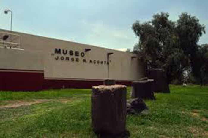 Museo Jorge R. Acosta en el instituto de antropologia