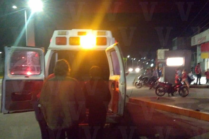 ZITÁCUARO Motociclista resulta herido al ser chocado por una camioneta, en Zitácuaro (8)
