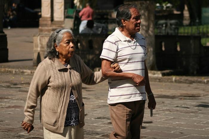 abuelitos personas de la tercera edad (5)