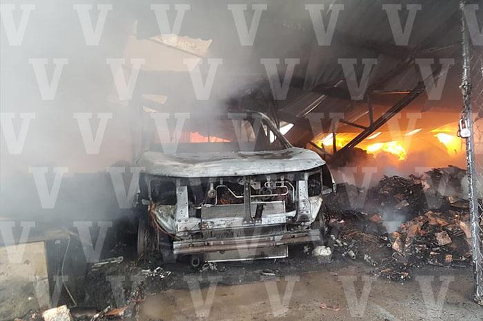 arde bodega de megacable en Zamora