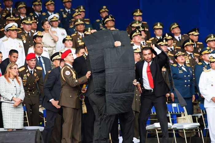 Tras el atentado Nicolás Maduro fue protegido por su guardia