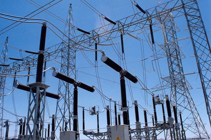 Cobros de energía eléctrica en empresas, motivo de jaloneos en México