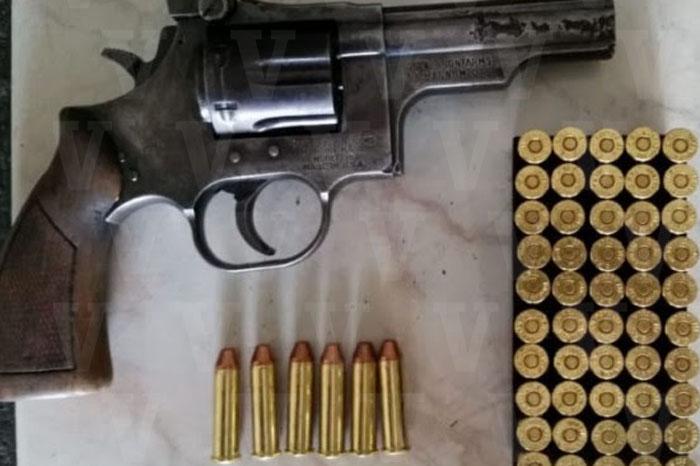 URUAPAN Detiene Policía Michoacán a dos empistolados en Uruapan (1) copia