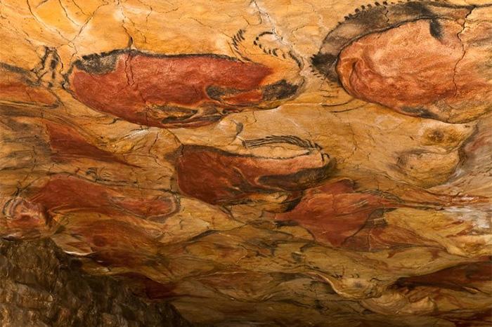 Doodle recuerda pinturas rupestres de cuevas de Altamira