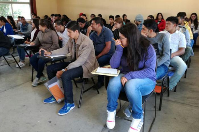 estudiantes de la umsnh