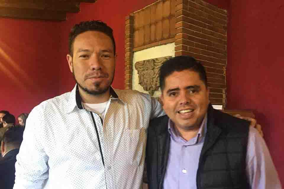 se suma a grupo de morena el alcalde de santa ana maya