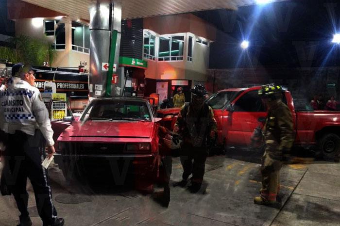 URUAPAN Pánico por choque en una gasolinera de Uruapan (2)