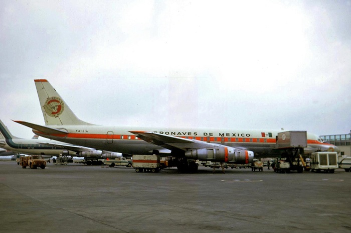 XA-SIA_DC-8-51_Aeronaves_de_Mexico_JFK_09JUL70_(5586872904)