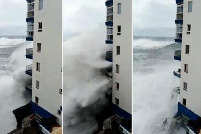 Evacuadas más de cien personas en Tenerife por el fuerte oleaje
