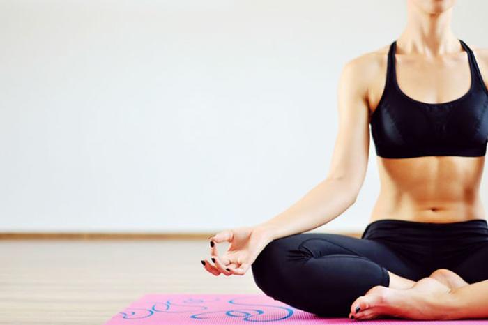 El yoga puede empoderar a las personas que sufren alguna discapacidad, ya que logran conocer su cuerpo y fortalezas que le permiten soltar los prejuicios sociales