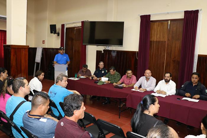 Se reunieron autoridades municipales y el sector educativo para detallar las acciones para el desfile del 20 de noviembre
