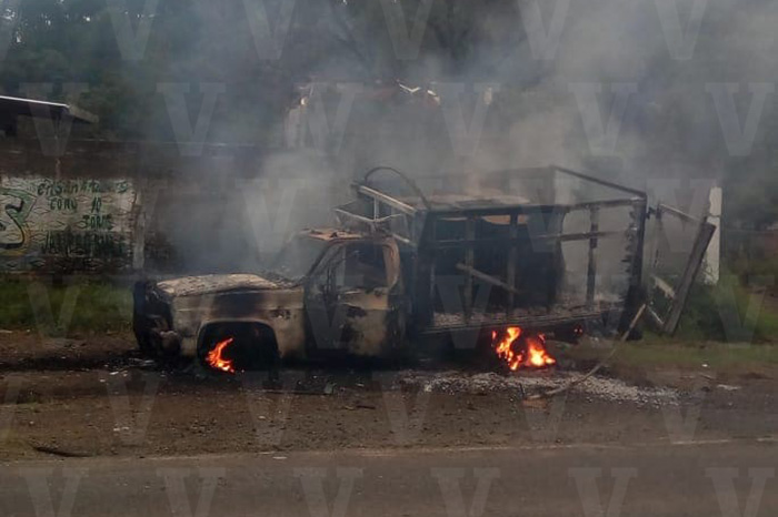 ZIRACUARETIRO Queman una camioneta más en Ziracuaretiro