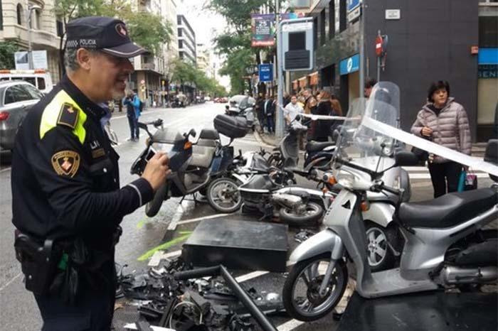 automovil arrolla a varias personas en barcelona