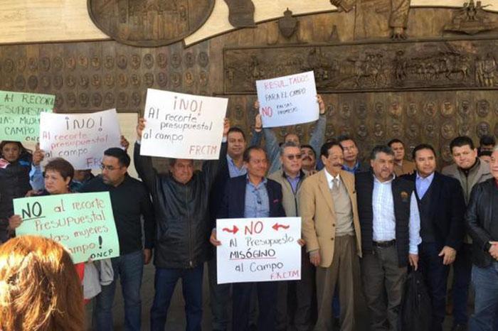 Campesinos protestan por ajuste de presupuesto del paquete economico 2019