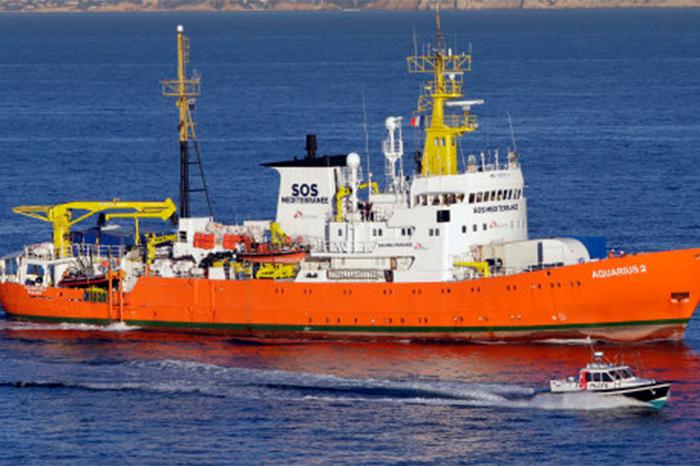 rescate barco mediterráneo