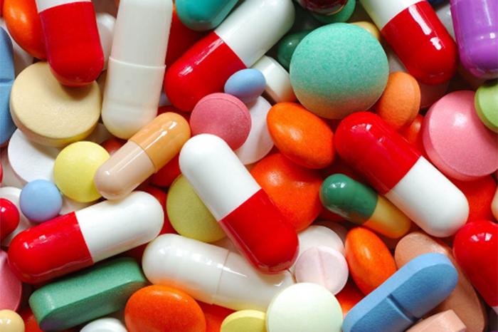 Morena va por la regulación del precio de medicamentos