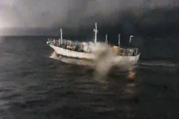 Persecución a un buque chino que pescaba ilegalmente