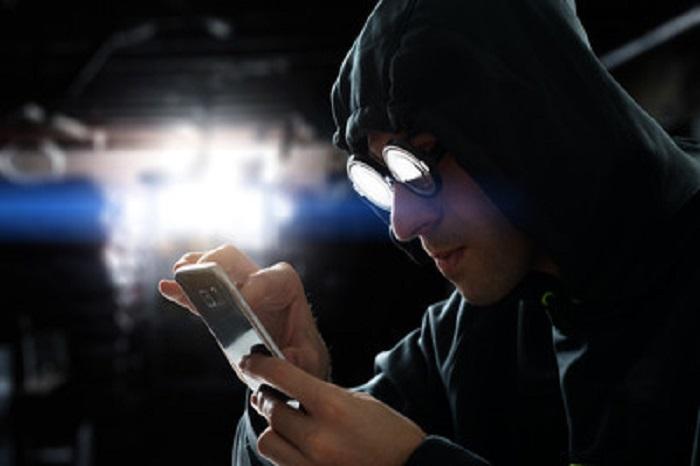 Datos personales se trafican por menos de mil pesos, advierte experto